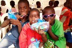 2018 Children Party @ Ungwa Makama-beneficiaries showing their gifts